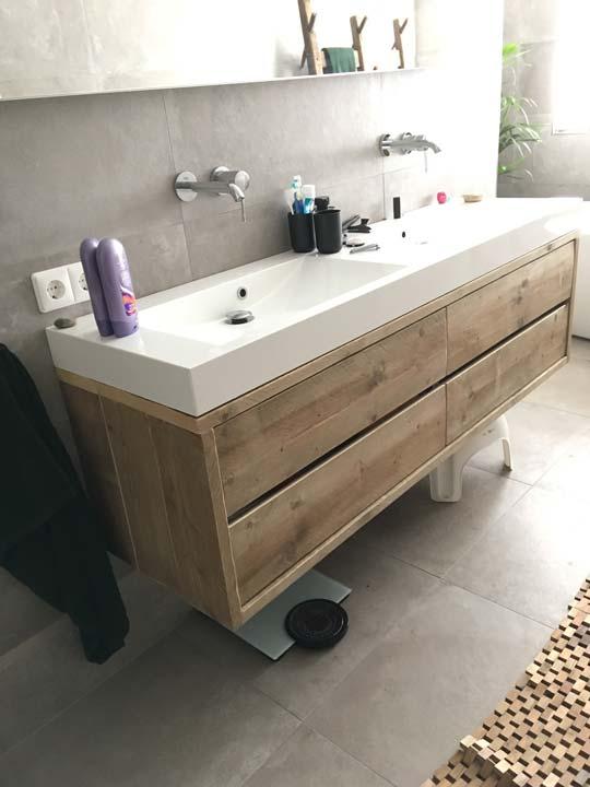 steigerhouten-badkamermeubel