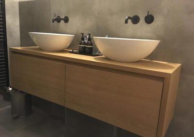 badkamermeubel-massief-eiken-op-maat