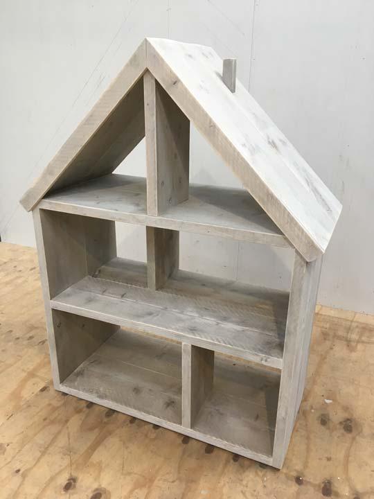 poppenhuis-steigerhout-op-maat